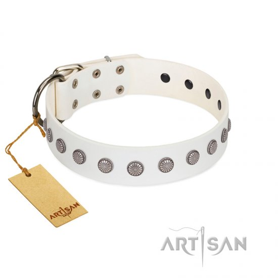 """Flower Boom"" FDT Artisan White Leather Dogue de Bordeaux Collar"