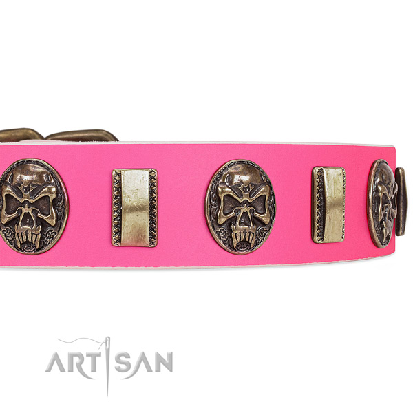 Rust-proof traditional buckle on full grain leather dog collar for your four-legged friend